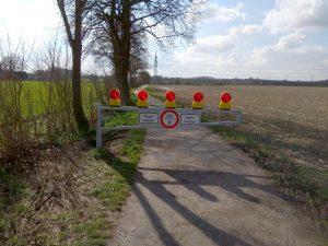Barriere am Weg zur Aa am Ramertsweg in Gievenbeck
