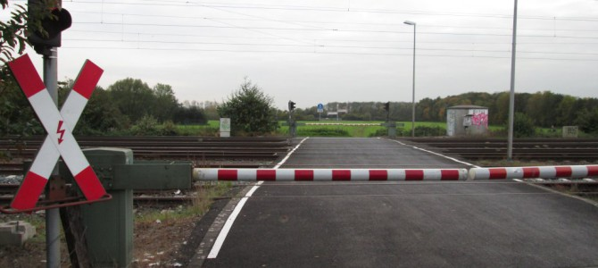 Mecklenbeck: Bald bleiben die Schranken am Bahnübergang Galgenheide unten