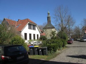 Blick auf die Stiftskirche von Hohenholte